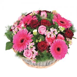 composition de table dans des coloris roses